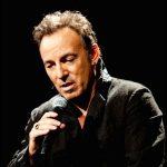 Musiker Jens Unmack og musikanmelder Henrik Queitsch fortæller om deres forhold til den amerikanske rockmusiker Bruce Springsteens musik og liv.
