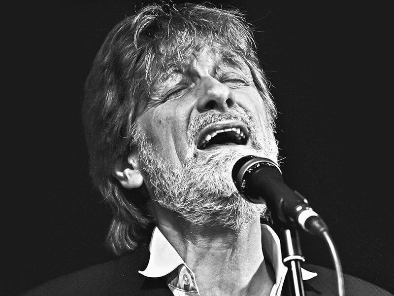 Ivan Pedersen & Trio spiller på Musikforeningen Bygningen i Køge, lørdag d. 17. Marts 2018. Ivan Pedersen, 50 år på scenen og stadig spillevende.