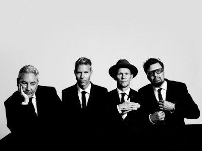 Sidste år udgav det elskede svenske band deres 12. studiealbum '23.55' og har siden spillet udsolgte koncertsale i hele Skandinavien. I 2021 kan vi glæde os til at opleve Bo Kaspers Orkester, når de gæster Bygningen i Køge d. 16. april 2021